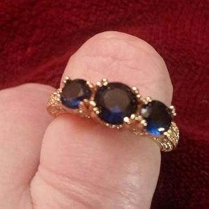 14k gold blue sapphire ring size 8 and 9